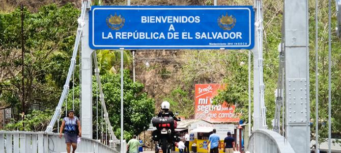 Entering El Salvador at Las Chinamas